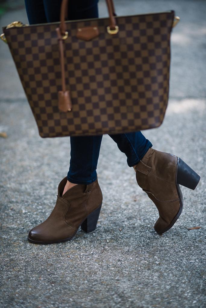 joes jeans, joe's jeans skinny jeans, joe's jeans curvy skinny jeans, vince camuto booties, vince camuto hillsy booties, louis vuitton, louis vuitton damier bellmont, louis vuitton damier, polka dot sweatshirt, sweatshirt for fall, stem sweatshirt, stem polka dot sweatshirt, dark lip color, crimson lip color, bobbi brown lipstick, bobbi brown makeup, bobbi brown,